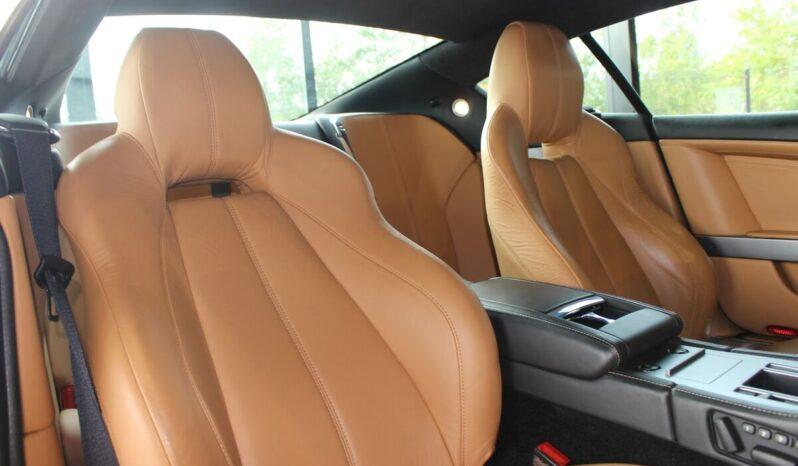 Aston Martin DB9 full