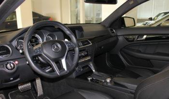 Mercedes-Benz C63 AMG Coupé full