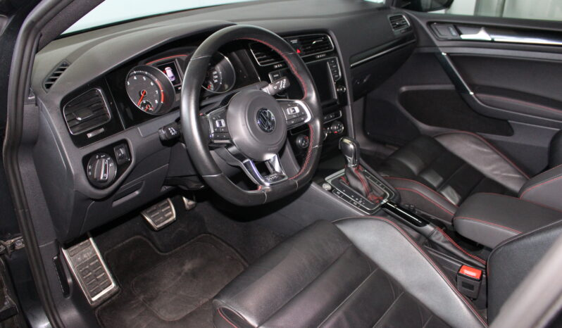 Volkswagen Golf 7 GTI full